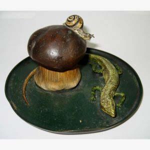 Чернильница «Гриб». Венская бронза, фарфор. Европа, XIX века. Высота: 6см; диаметр основания: 17,5 см.
