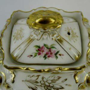 Сервиз чайный на шесть персон. Фарфор, ручная роспись, золочение. Европа, XIX век (стиль «неорококо»).
