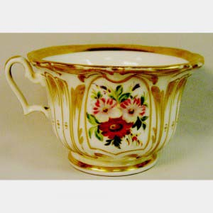 """Сервиз чайный на шесть персон. Фарфор, ручная роспись, золочение. Европа, XIX век (стиль """"неорококо"""")."""