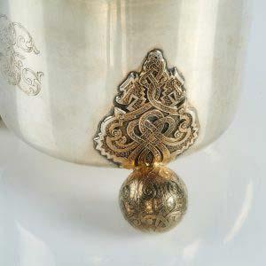 Декоративная кружка. Серебро 800; М= 860,0; золочение. Швеция, XIX век, стиль «историзм». Высота: 21см.