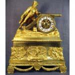 """Каминные (кабинетные) часы «Наполеон Бонапарт». Бронза, золочение. Франция, XIX век (стиль """"ампир""""). Размеры: 34х45х14 см."""