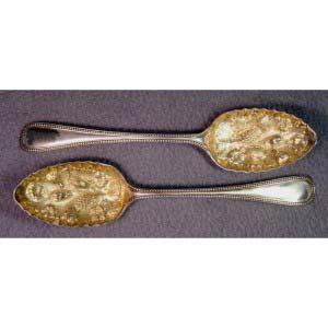 Ложка раздаточная. Серебро 900; М= 77,0 г. Франция, XIX век (стиль «историзм).