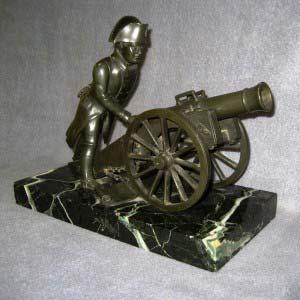 Кабинетная пластика «Наполеон I». Бронза, патинирование, итальянский мрамор. Европа, XIX век. Размеры: 23х30 см.