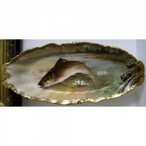 Настенные декоративные парные тарелки «Рыбы». Европа, частный фарфоровый завод, XIХ век. Длина: 32 см.