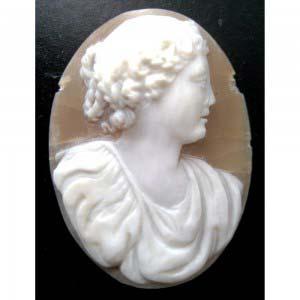 Камея. Кость. Европа, XIX век. Размеры: 3,5х3 см.