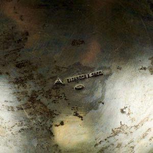 Бульотка. Серебро 800; М=3000,0 г; кость. Европа, XIX век. Высота: 36 см.