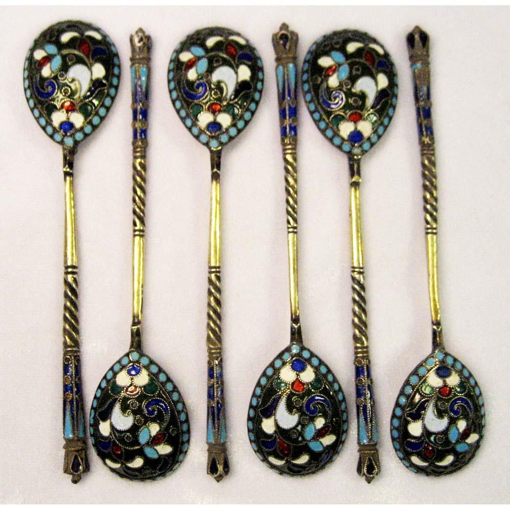 """Комплект чайных ложек на шесть персон. Серебро 84; М= 86,0 г; многоцветная эмаль. Россия, XIX век (""""неорусский"""" стиль)."""