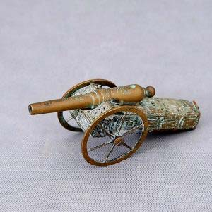 Модель пушки XVIII-XIX веков. Бронза, патинирование. Франция, XIX век. Размеры: 20х8х7 см.