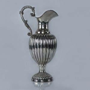 Кувшин. Серебро 800 пробы; М= 722,0 г. Европа, XIX век. Высота: 33,0 см.