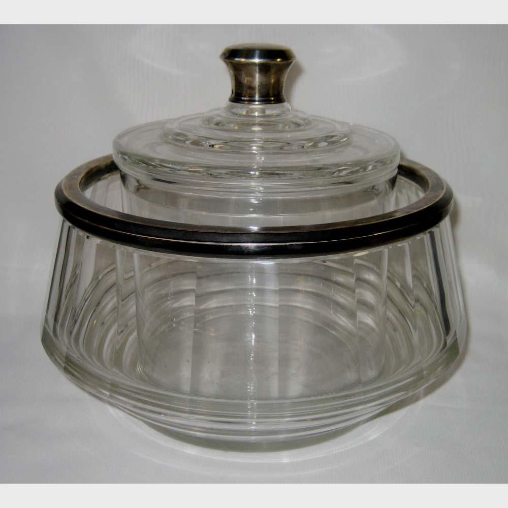 Икорница. Стекло, серебро 900 пробы. Франция, XIX век. Размеры: 19х15 см; 12х21 см.
