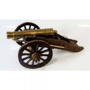 Модель пушки XIX века. Европа, XIX век. Бронза, патинирование, сталь, красное дерево, щетина. Высота: 12 см. Длина: 35 см.