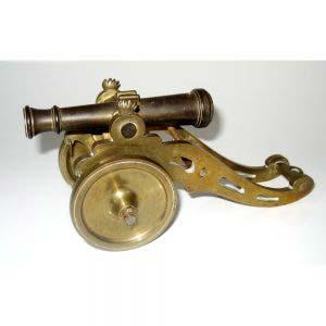 Модель пушки XIX века. Бронза, патинирование. Длина: 16 см. Высота: 4,5 см. Европа, XIX век.