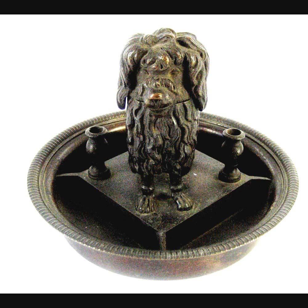 Письменная принадлежность стола «Пудель». Бронза, патинирование. Высота: 12 см; диаметр основания: 16 см. Россия, первая половина XIX века.