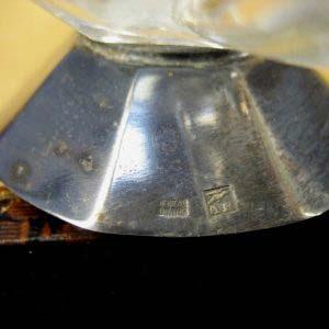 """Солонки парные. Стекло, металл. Размеры солонки: высота- 4,0 см; диаметр- 5,5 см. Франция, начало ХХ века (стиль """"арт- деко"""")."""