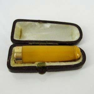 Мундштук. Золото 585 пробы, янтарь; М= 3,60 г. Европа, XIX век.