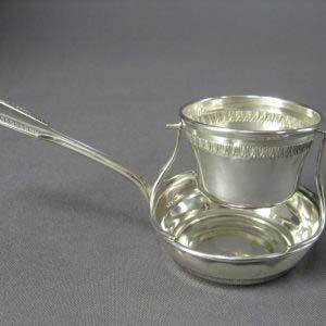 Ситечко. Серебро 950; М= 42,0 г; патинирование, золочение. Франция; XIX век.