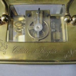 Каретные часы в оригинальном футляре. Франция, Париж, XIX век. Размеры: 11,0х6,5х8,5 см.