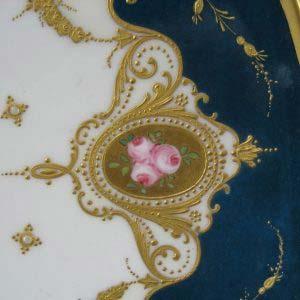 Декоративная тарелка. Фарфор, ручная роспись. Франция, Лимож, фарфоровая мануфактура R. DELINIERES (D. & Co); 1879 - 1900 годы.