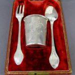 """Подарочный набор """"Эгоист"""". Серебро 950 пробы; М=155,0 г. Франция, Орлеан, XIX век."""