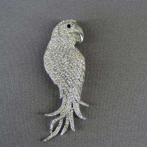 """Брошь-подвеска """"Попугай"""". Металл, кристаллы Сваровски. Франция, ХХ век. Размеры: 12,0х4,0 см."""