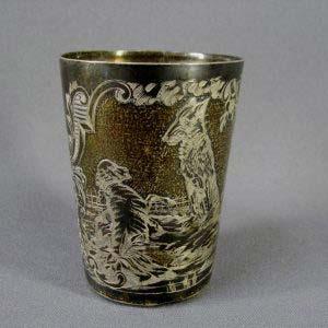 """Стакан. Серебро 950; М=127,0 г; патинирование. Франция, XIX век (""""неорококо""""). Высота: 8,0 см; диаметр верха стакана: 8,0 см."""