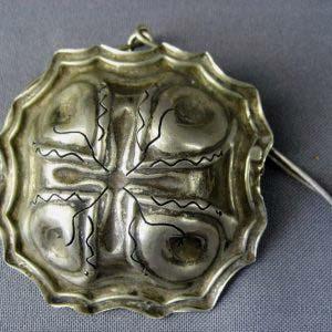 Ситечко для чая. Серебро 950; М=23,0 г. Франция, рубеж XIX-ХХ веков. Ширина: 7,0 см.