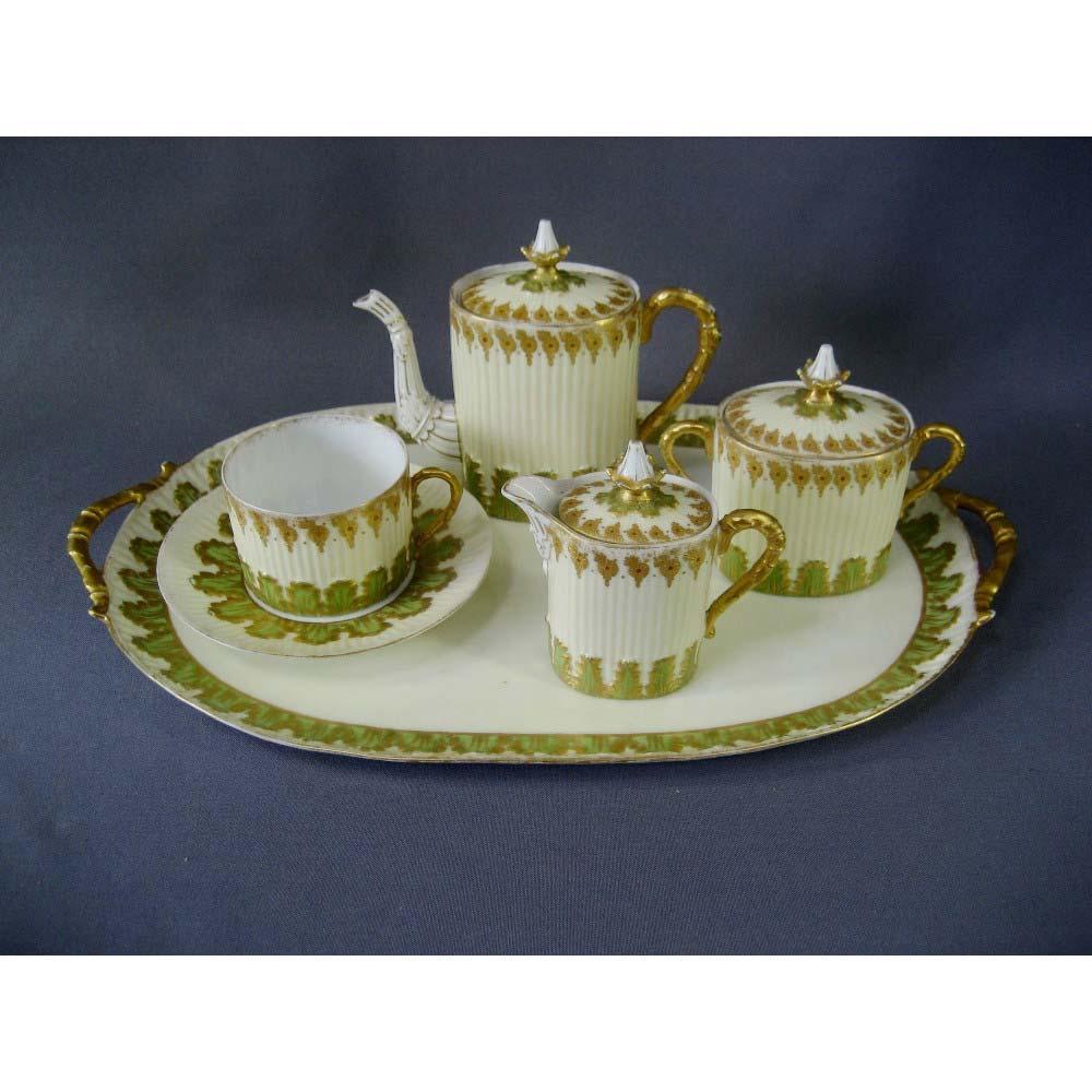 """Чайный набор """"Эгоист"""". Фарфор, ручная роспись. Франция, начало XIX век. Длина подноса: 43,0 см."""