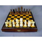 Подарочные шахматы. Дерево, ручная работа. Размеры доски: 30х30 см; высота короля: 8,0 см; высота пешки: 3,5 см.