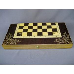 Подарочные шахматы. Дерево, ручная работа. Размеры доски: 50х50 см; высота короля: 9,0 см; высота пешки: 4,0 см.