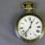 """Карманные часы """"Паровоз"""". Металл, Швейцария, фирма """"Regulateur"""", рубеж XIX-XX веков. Диаметр: 7,0 см."""
