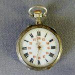 Дамские карманные часы. Серебро 800; золочение. Западная Европа, рубеж XIX-ХХ веков. Диаметр: 2,6 см.