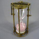 Часы песочные. Металл, патинирование, стекло. Европа, ХХ век. Высота: 14.0 см.