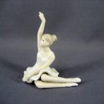 """Статуэтка """"Балерина"""". Фарфор, ручная роспись. Европа. Высота: 14,0 см."""