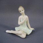 """Статуэтка """"Балерина"""". Фарфор, ручная роспись. Европа. Высота: 9,0 см."""