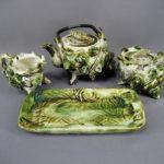 """Комплект """"Эгоист"""" для чайной церемонии. Фарфор, ручная роспись. Восток, ХХ век. Поднос: 10х20 см; высота чайника: 10,0 см."""