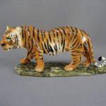 """Статуэтка """"Тигр"""". Фарфор, ручная роспись, золочение. Европа. Размеры: 13х29 см."""