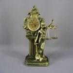 "Часы ""Фемида"" (кварц). Полистоун, металл. Россия. Высота: 31,0 см."
