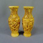 """Парные вазы """"Драконы"""". Прессованная слоновая кость. Китай, первая половина ХХ века. Высота: 21,0 см."""