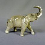 Статуэтка «Слон». Фарфор, ручная роспись. Россия, Астрахань. Высота: 11,0 см; длина: 13,0 см.